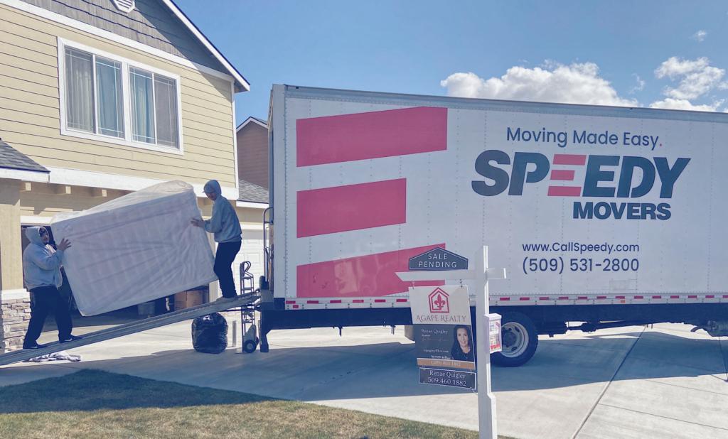 spokane-moving-company-loading2